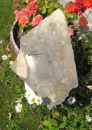 Cadran solaire en pierre