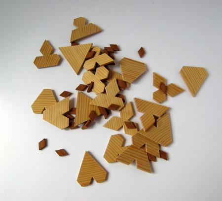 Casse-tête - Triangle à entailles (Jean Brette)